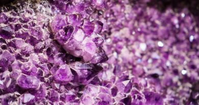 Le 9 classi di minerali secondo il criterio chimico in olistica