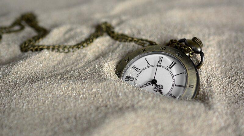 Scienza e natura: dal mondo orologio ai sistemi non lineari